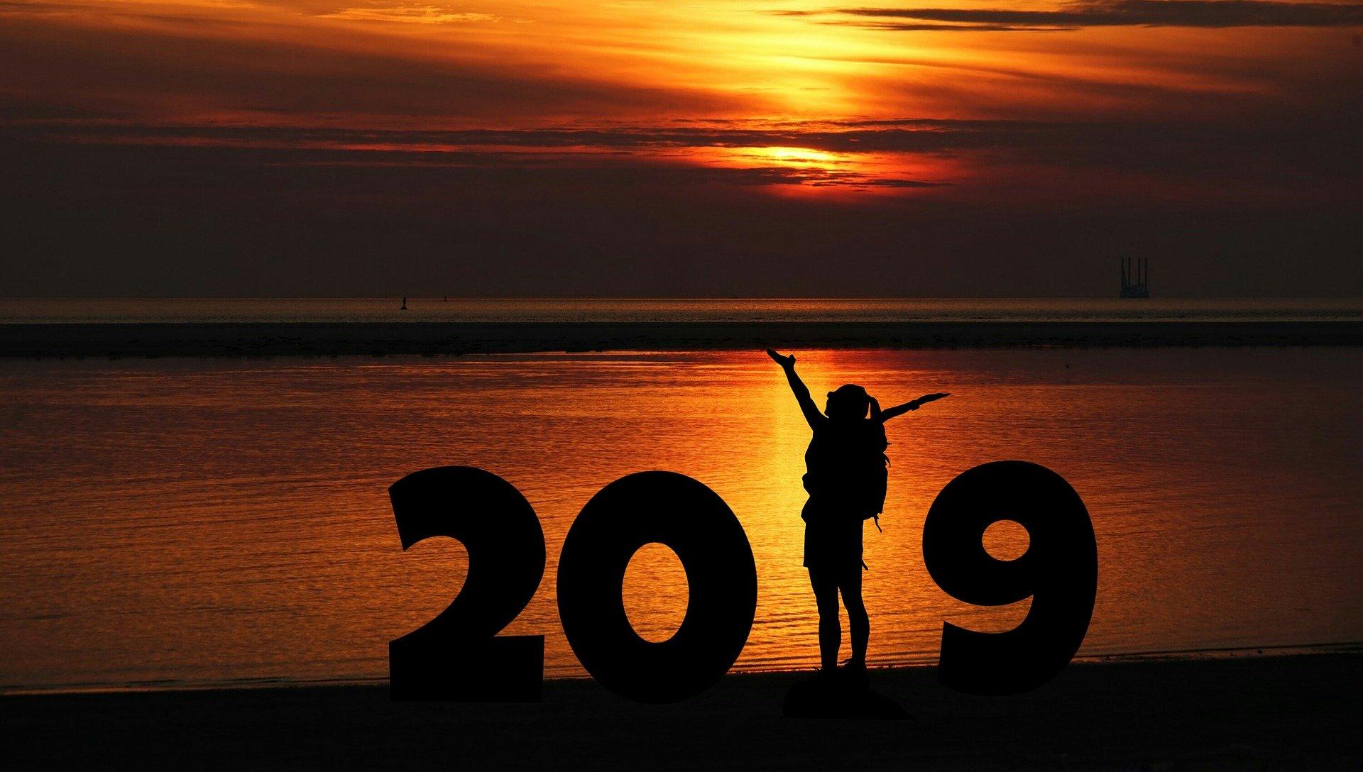 new-year-3357193_1920.jpg