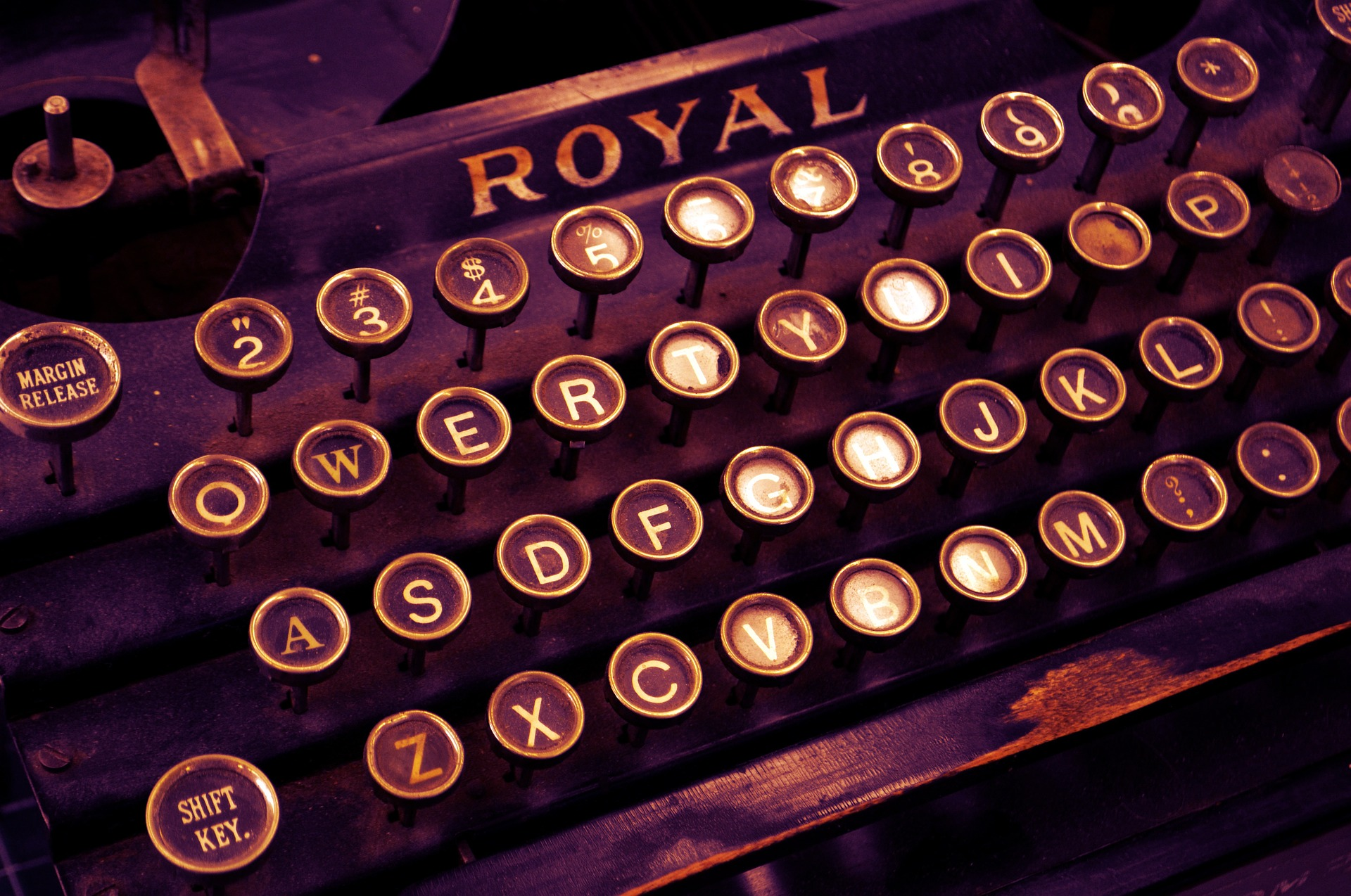 typewriter-1170657_1920
